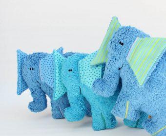 Kuscheltier Hanno der Elefant Gruppenbild