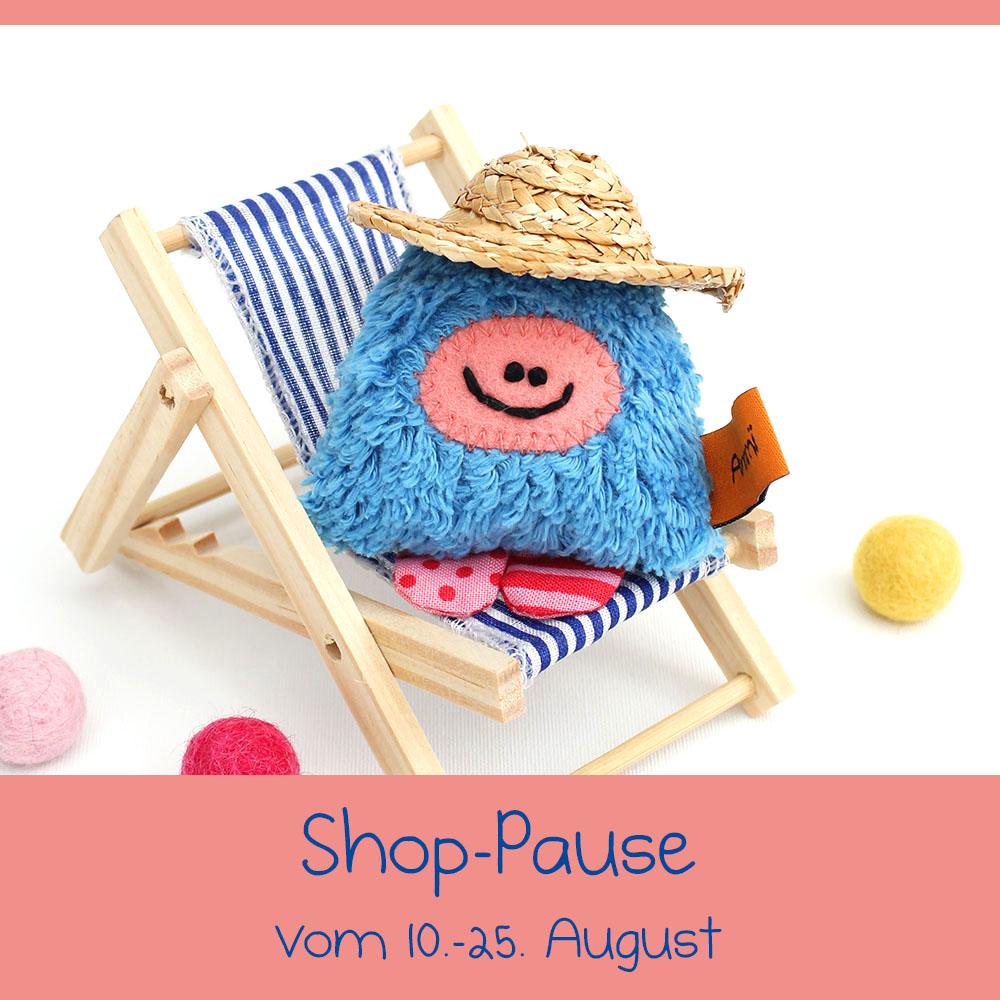 Annimi macht Sommerpause vom 10. bis 25. August – Taschenmonster im Liegestuhl
