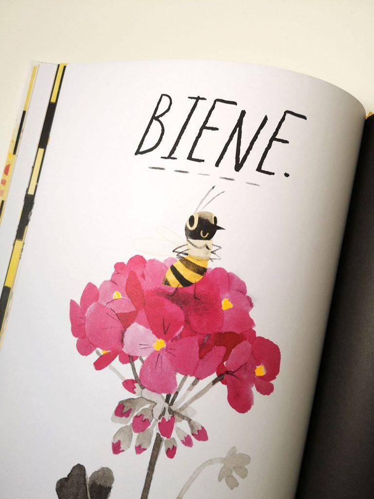 Innenseite Die Honigbiene: Biene auf Bluete